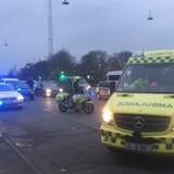 (ARKIV) Politi og ambulance på Tagensvej i København i forbindelse med skyderi i Mjølnerparken torsdag 9. november 2017.