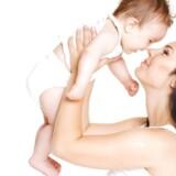 »Hvis vi begynder at se kys som en forkert måde at give moder- eller faderkærlighed videre på, signalerer vi til vores børn, at følelser er farlige og skamfulde,« siger børnepsykolog Margrethe Brun Hansen.