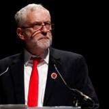Den britiske Labour-leder, Jeremy Corbyn, indledte sin valgkamp med en tale for skotske fagforeninger, hvor han blev mødt med klapsalver. Langt sværere bliver det for ham at vinde genklang hos flertallet af de britiske vælgere, der har svært ved at se ham som en mulig premierminister. Foto: Russell Cheyne/Reuters