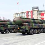 PLUS-historie. Den store eskalering af konflikten mellem Nordkorea og Sydkorea samt deres allierede udeblev, efter en mislykket nordkoreansk missilafsendelse. AFP PHOTO / KCNA VIA KNS