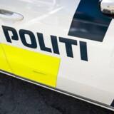 Politiet har fået flere henvendelser om en blotter her til aften.