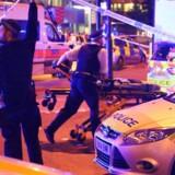 En ældre mand, som blev meldt dræbt i et formodet angreb i London natten til mandag, var muligvis allerede død, da en menneskemængde blev påkørt.