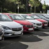 Der er mange parametre at holde styr på, når man køber bil. Her giver to bileksperter deres bud på, hvad der er godt og dårligt ved en ny kontra en brugt bil.