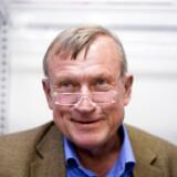 """Peter Brixtofte er Død. Den tidligere Farum borgmester blev 66 år- Arkivfoto: Peter Brixtofte signerer eksemplarer af hans nye bog """"Mit Horserød"""" i Farum Bytorv.. (Foto: Kristoffer Juel Poulsen/Scanpix 2016)"""