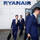 Over 100 irske Ryanair-piloter har aflyst en planlagt strejkeaktion, der skulle finde sted onsdag.