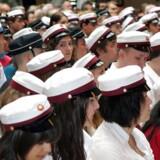 Studenter årgang 2008 fra Frederiksberg Gymnasium får deres eksamensbevis på Frederiksberg Rådhus