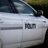 Klokken 16.45 lørdag fik politiet melding om, at en sten på størrelse med en tennisbod havde ramt en personbil på Køge Bugt Motorvejen. Free/Colourbox