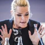 Fredag pegede Inger Støjberg på, at der heller ikke blev foretaget partshøringer under Mette Frederiksens tid som justitsminister. Det vil Mattias Tesfaye (S) nu have Støjberg til at forklare.