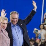 Hillary Clinton og Tim Kaine.