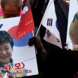Støtter til Park Geun-hye går på gaden for at lufte utilfredshed med, at præsidenten er blevet afsat. Park er især populær blandt den ældre befolkning. Reuters/Kim Kyung-hoon