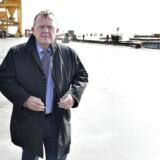 Regeringen mødtes mandag den 11. september til et to dages seminar i Esbjerg. Inden seminaret var regeringen på en bustur rundt på Esbjerg Havn . Her ses statsminister Lars Løkke Rasmussen ude på havnen.