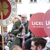 Jan Hoby, Næstformand i Landsforeningen for Scocialpædagoger taler. Offentligt ansatte demonstrerer i forbindelse med de igangværende overenskomstforhandlinger ud for Moderniseringsstyrelsen, Landgreven 4 i København. 26. februar 2018.