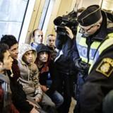 Sverige har indført skrappere ID-kontrol ved landets grænser, men det vil ikke have den fornødne effekt, mener migrationsforsker Joakim Ruist.