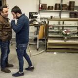 Tirsdag d. 23.01.2017 besøgte Udlændinge- og integrationsminister Inger Støjberg (V) bagerforretningen KAJ i Tingbjerg. Besøget kom i kølvandet på flere angreb mod bagerforretningen, der senest resulterede, at fem maskerede mænd smadrede butikkens inventar. Her er det ejeren Ali Parnian (th) sammen med sin far.