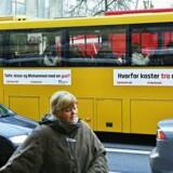 Ateistisk Selskab har søsat en massiv reklamekampagne på de aarhusianske busser. Målet er at få danskerne til at melde sig ud af folkekirken.