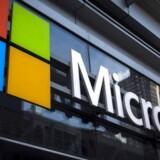 De mange krav om at hemmeligholde, når myndighederne kræver adgang til folks e-mails og dokumenter, er nu blevet Microsoft for meget. Arkivfoto: Mike Segar, Reuters/Scanpix