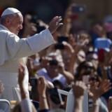 Når pave Frans lander i Myanmar mandag, bliver det på en af hans mest delikate ture som pave hidtil. Det overvejende buddhistiske land er præget af religiøse spændinger og har fået skarp, international kritik for dets behandling af sine rohingya-muslimer.