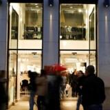 Arkivfoto. Den danske modebranche kæmper med faldende salg og underskud, men den svenske modegigant H&M har ikke problemer med at tjene penge.