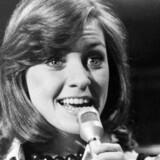 Dorthe Kollo stopper karrieren efter 55 år på scenen. Her er den en optræden fra 1972, sandsynligvis med en tysk schlager eller en dansk top-sang.