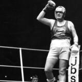 Brian Nielsen fylder i dag 50 år. Her ses han i en noget yngre udgave fra 1988, inden hans professionelle karriere var skudt i gang. Vi har kastet et blik på bokserens liv, og samlet nogle billeder med de store øjeblikke.