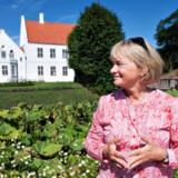 »Jeg bruger kulturlivet. Det giver energi, og jeg kan have oplevelsen inde i mig i mange dage,« siger Dansk Folkepartis leder, Pia Kjærsgaard, der netop har afsluttet to dages sommergruppemøde på herregården Nørre Vosborg i Vestjylland.