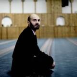 »For mange mennesker er døden et tabu, og her er islam en indgang til døden, fordi der kan tales frit om den,« siger Imran Shah.