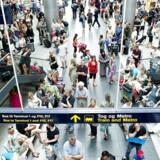 Tager man chancen og rejser ud af landet uden at melde eksempelvis dagpenge eller kontanthjælp fra, kan man fremover blive snuppet i lufthavnen af kontrollører. (Foto: Claus Bech/Scanpix 2018)
