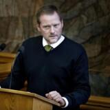 »Man skal ikke kunne få SU, før man har været her i syv år ud af de sidste otte år,« siger Dansk Folkepartis finansordfører, René Christensen, til DR.