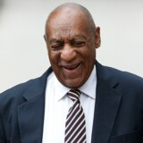 Bill Cosby (th.) blev for alvor kendt i serien The Cosby Show. Nu er han dog under anklage for sexovergreb. Reuters/Carlo Allegri