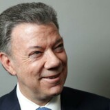 Colombias præsident, Juan Manuel Santos, modtager Nobels fredspris for sin indsats for at skabe fred i sit land efter årtiers borgerkrig, siger Nobelkomitéen.