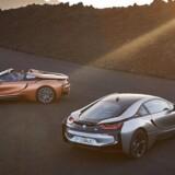 Faceliftet af den futuristiske BMW i8 holder heldigvis fast i det opsigtsvækkende design. Den lukkede i8 får for første gang selskab af en åben variant, som er døbt i8 Roadster. BMW's i-familie vokser i 2018 med en konkurrent til Tesla Model 3, en mellemstor sedan