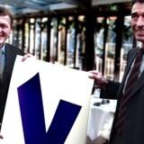 Venstre Pressemøde. indenrigsminister Lars Løkke Rasmussen og statsminister Anders Fogh Rasmussen med en af Venstres valgplakater.