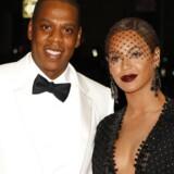 80.000 danskere og 90.000 nordmænd blev talt med som brugere af musikstreamingtjenesten, som rapperen Jay Z købte i 2015, selv om de slet ikke hørte musik. Nu ruller juridiske slagsmål med de tidligere ejere.