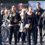 I 2015 brugte politiet 4,4 millioner kroner på at mandsopdække For Friheds demonstrationer. Lørdag d. 1. oktober demonstrerede For Frihed i Indre København. Og helt som sædvanlig mødte politiet talstærkt op og venstrefløjsaktivister lavede moddemonstration. (Foto: Bax Lindhardt/Scanpix 2016)