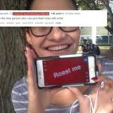 »Du er måske det eneste menneske, som kan bruge en knytnæve til at pille næse,« fik denne unge kvinde at vide, da hun bad Reddit om at »roaste« hende.