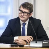 »Vi skal udnytte fremgangen på arbejdsmarkedet til at få flere ledige seniorer i job og væk fra langtidsledighed, hvor mange desværre ender, hvis de først er blevet ledige«, siger Troels Lund Poulsen