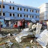 Bil var pakket med sprængstof i Somalias hovedstad, da dem eksploderede.