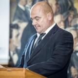 Det skal være nemmere for teleselskaber at få lov til at sætte master op i kommunerne, mener teleordfører Jan Rytkjær Callesen (DF).