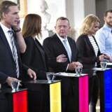 Uffe Elbæk (Å), Søren Pape (C), Ander Samuelsen (l) , Helle Thorning(A) , Thulesen dahl (DF) , Pia Osen Dyhr(F), Lars Løkkke (V), Johanne Schmidt (Ø) , Morten Østergaard (R) Stig Grenov (KD)