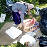 Arkivfoto: Rumænere pakker lejr sammen.