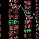 Den globale aktieuro ramte tirsdag morgen Danmark for fuld styrke. Det danske aktieeliteindeks C25 faldt efter få minutters handel med 3,8 procent. Både Genmab, Vestas og Lundbeck faldt med over fem procent kort efter åbningen.
