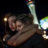 Pårørende sørger over tabet af deres nærmeste, efter musikfestival søndag aften blev forvandlet til blodbad.