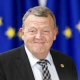 Lars Løkke Rasmussen ankommer til topmødet i Bruxelles torsdag eftermiddag til et møde, hvis første mødetape først sluttede ved daggry. Mødet forstsætter fredag kl. 11.
