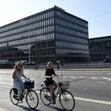 Nordea er ved at flytte ud af »Ørkenfortet« på Christianshavn, og nu vil ejeren, ATP Ejendomme, istandsatte ejendommen til sit nye formål. Det kan vare op til tre år, før en hoteloperatør kan flytte ind.
