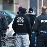 Banden Loyal to Familia har indtaget Sigynsgade på Ydre Nørrebro. Politikere kalder det »helt uacceptabelt« og kræver handling fra politiet.