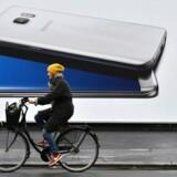 Den storsælgende Galaxy S7-telefon fra Samsung får snart en afløser, Galaxy S8, og her tager Samsung ingen chancer oven på den milliarddyre batteriskandale med den ny hedengangne Galaxy Note 7-telefon. Arkivfoto: John MacDougall, AFP/Scanpix