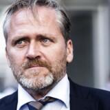 Udenrigsminister Anders Samuelsen støtter nu et fuldt stop for forhandling.