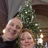 Lars Lydholm er informations- og forvaltningschef og uddeler julehjælp med Frelsens Hær.