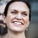 Glad ser hun ud, Merete Riisager, ved præsentationen af regeringen og udsigten til at blive ny undervisningsminister. Et område, hun ved meget om, men hvor hun også har leveret adskillige krasse udtalelser om folkeskolereformen.