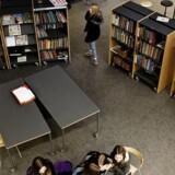 Vesterbro Bibliotek i København begrænsede sidste år åbningstiden, fordi biblioteket blev brugt til alt muligt andet end fordybelse. Arkivfoto.